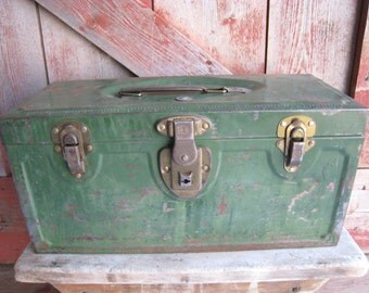 Vintage Tool Tackle Box Green Metal by Master Metal Products of Buffalo, New York Industrial Storage Decor