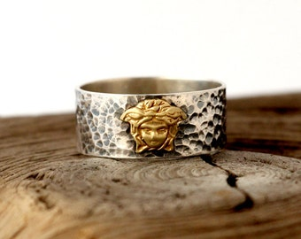 Medusa ring. Hammered and oxidized ring sterling silver. hammered band ring