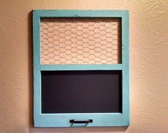 Rustic Chiken Wire Frame with Chalkboard, Chalkboard and Picture Holder, Rustic Frame, Blackboard, Message Holder, Rustic Decor, Chalkboard
