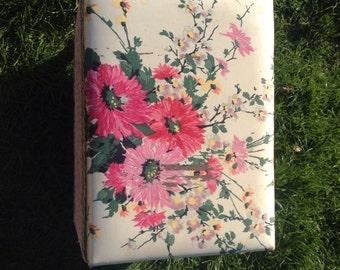 Lloyd Loom Laundry Basket-Pink Roses
