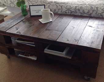 """Reclaimed Wood Pallet Coffee Table """"LEMMIK"""" in Dark Oak"""