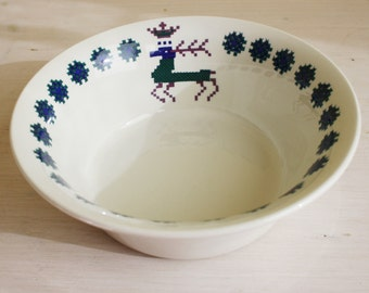 Figgjo Flint, Norway, Menu, large serving bowl, Norwegian pattern, blue, green, purple, deer, crown, stitches, embroidery decor, mint