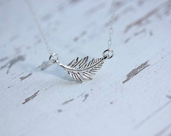 Floating Leaf Necklace - Leaf Connector Neclace - Leaf necklace in Sterling silver - Leaf Jewelry - Delicate necklace - Nature Jewelry