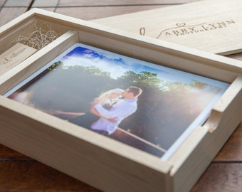 "1 5"" x 7"" Maple Photo Box and Flash Drive Bundle"