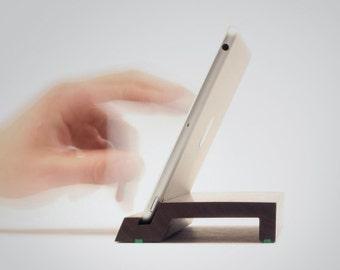 Cooki   Ständer für das iPad mini 1-4   Massives Walnussholz
