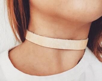 Echtes Leder-Halsband aus Reporposed Leder gefertigt