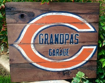 Grandpa's Garage NFL Rustic Chicago Bears Wood Sign, Dad's Garage, Vintage NFL Sign, Christmas Gift, Birthday Gift, Fathers Day Gift