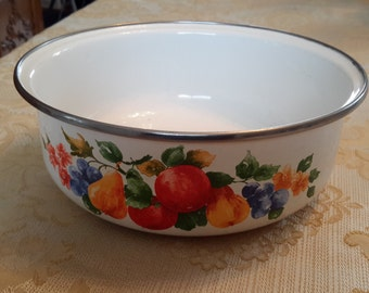 Vintage Fruit Design Enamelware bowl nesting bowl retro kitsch citrus fruit white enamelware, serving bowl, farmhouse decor, country decor