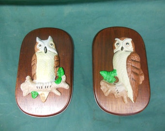 Pair of Vintage Owl Wall Plaques - Wood and Ceramic Owl Bird Wall Vintage Decor
