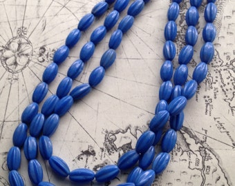 Vintage Cornflower Blue Glass Bead TripleStrand Necklace c1960s