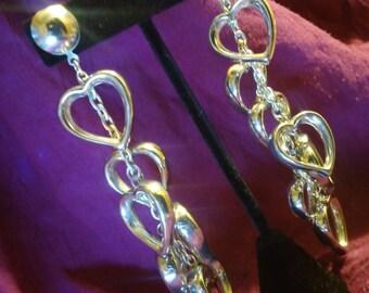 Vintage puffy heart dangaling pierced earrings