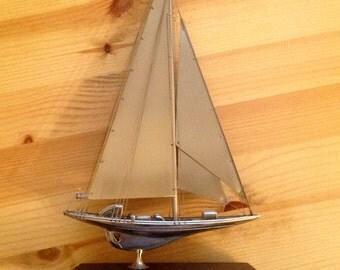 Model boat. JCLass Sloop. 1930