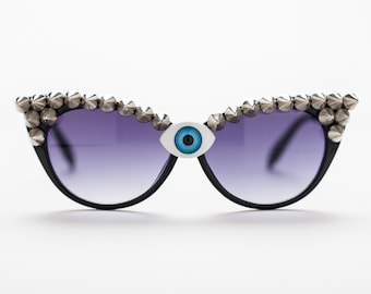 THIRD EYE sunglasses w/ studs