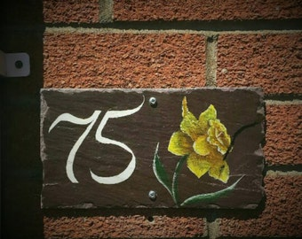House Number with Dafodil