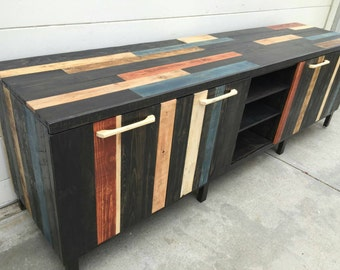 Obpco EXCLUSIVE. large console stand, tv stand ,entertainment center, media console , reclaimed wood,  pallet furniture, hand made