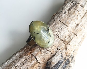 Brass, prehnite stone ring