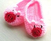 Crochet Baby Slippers, Pig Booties, Crib Shoes, New Baby Gift, Baby Shower Gift, Infant Shoes, Baby Girl Boy Slipper, Toddler Bootie, Pink