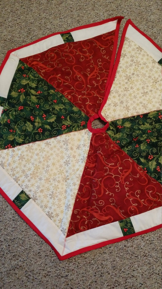 Red green and white christmas tree skirt by cathycollinssews for Red and green christmas tree