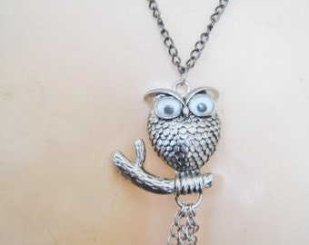 Silver Tone Google Eyes Owl Necklace