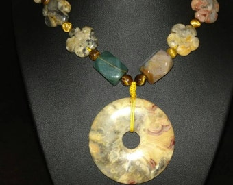 Agate Flower and Jasper Pendant Necklace