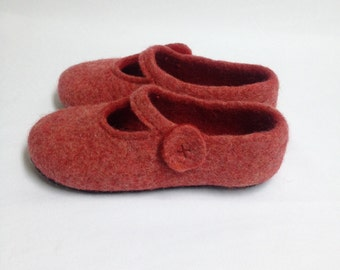 Sale-22% OFF Felted wool Woman Slippers house shoes Mary Jane style Felted clogs Mothers day gift