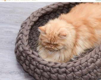 ON SALE Cat Bed, pet bed, cat furniture, pet basket,  merino wool, choose color