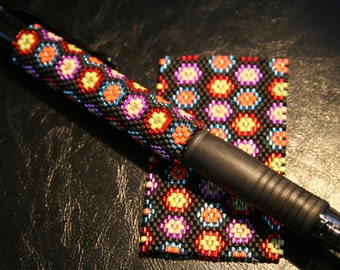 Tiny Flowers Even Count Peyote Pen Cover