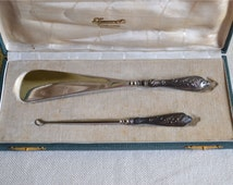 Silver Cased set of matching button hook and show horn by the collectable silver , Silver set for shoes, Handled shoe horn and button hook