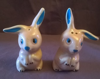 Vintage Pink Bunny Rabbit Salt and Pepper Shakers, 1950's