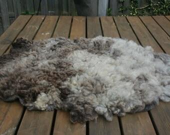 Gevilte schapenvacht Bont Schaap/ Felted fleece Bont Schaap
