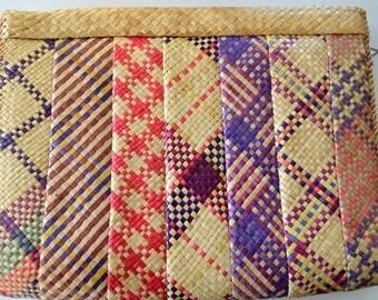 Retro Woven Clutch Purse / Handbag / Vintage Pocketbook
