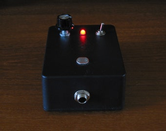 Micro BaSic THerEMiN PhoToceLL Analog Synth Circuit Bent