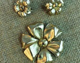 Vintage Trifari set ,brooch and earrings, Usa 1960
