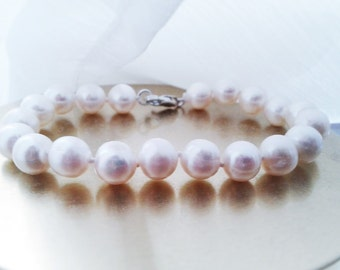 Classic, Women's Pearl Bracelet, White, 9mm Freshwater Pearls, Sterling Silver Clasp