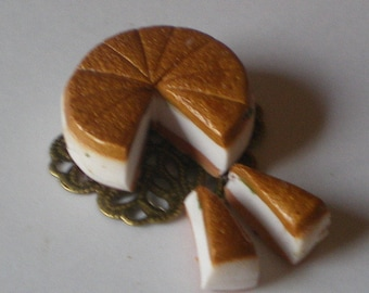 Cheese cake with gate - Dollhouse / miniature polymer clay