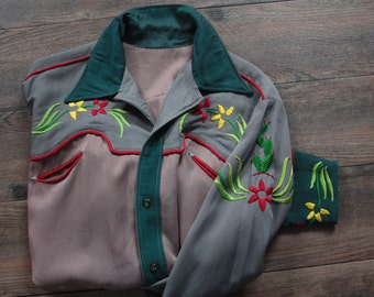 SOLD instore 6/25/17 1940's Western Shirt // 40s Gabardine Singing Cowboy Shirt // Rockabilly Rodeo Shirt with Cactus Embroidery // DIVINE