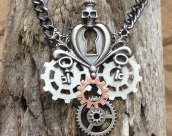 Steampunk necklace, Skull necklace, Halloween necklace, gear neckless, goth necklace, men's jewelry,