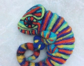 Felted Bright chameleon animal brooch pin felt animals chameleon ornament cute gift scarf brooch present for girls cool gifts cute animals