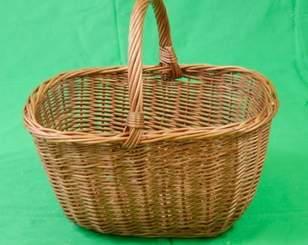 Vintage Traditional Large Deep Wicker Shopping Basket Sturdy Nice Condition