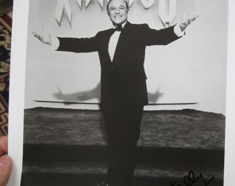 Gene Kelly 8x10 Autographed Photo Photograph Vintage Actor Television