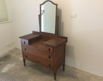 Vintage Dresser  Please ring 0439483627 David Suba