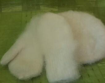 White downy mittens and a beret. Hand-knit. 100% rabbit down