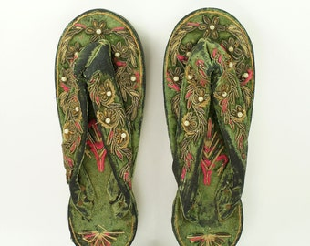 Antique Victorian Womens Shoes Carved Wooden Sandals Velvet Embroidery Indian
