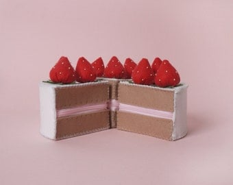 Lovely Strawberry Cake Felt Accessory Case_Hand Made