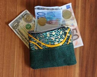 Currency or Money-sitter door