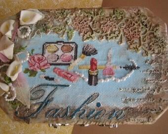 Embroidery Decorated Box, Treasure Box, Make-up Mixed media Box, Jewelry Box