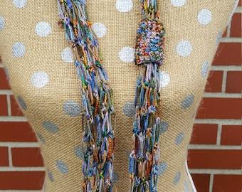 Solomon's knot crochet necklace - handmade