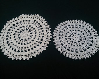 Set of 2 Vintage Round Lace Doilies. Crocheted Ecru Cotton Lace Doilies. RBT0410