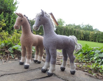 crochet horse, stuffed horse, crochet animal,amigurumi horse,horse like a living