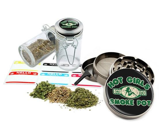 "Smoke Pot - 2.5"" Zinc Alloy Grinder & 75ml Locking Top Glass Jar Combo Gift Set Item # G022115-026"